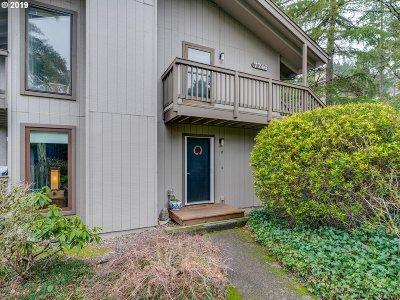 Portland Condo/Townhouse For Sale: 7746 SW Barnes Rd #C