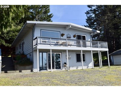 Gold Beach OR Single Family Home For Sale: $395,000