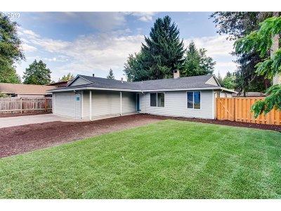Hillsboro, Forest Grove, Cornelius Single Family Home For Sale: 647 SE 35th Ave