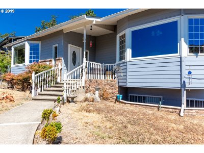 Roseburg Single Family Home For Sale: 1751 NE Beulah Dr