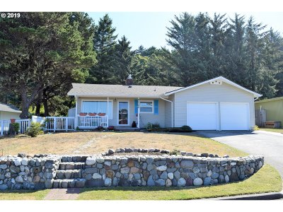 Gold Beach OR Single Family Home For Sale: $259,000