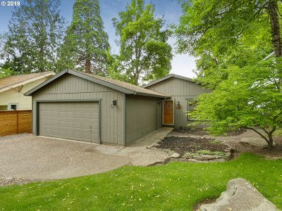 Portland Single Family Home For Sale: 7315 SW 53rd Ave