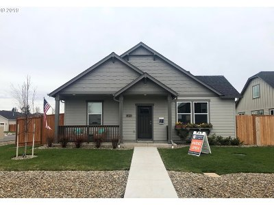 Single Family Home For Sale: 32913 E Lincoln Way