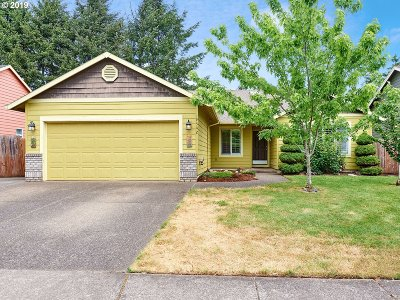 Oregon City Single Family Home For Sale: 19542 Silverfox Pkwy