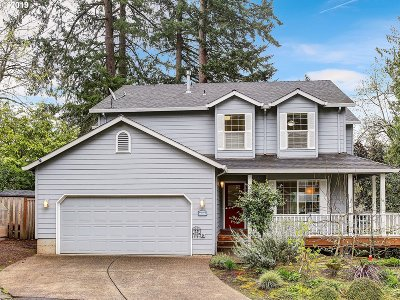 Beaverton Single Family Home For Sale: 9965 SW Kirsten Ct