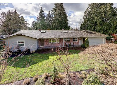 Portland Single Family Home For Sale: 9880 SW Arborcrest Way
