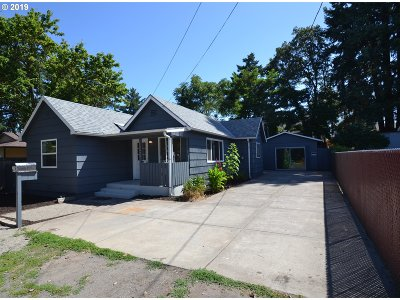 Milwaukie, Gladstone Single Family Home For Sale: 12420 SE 23rd Ave