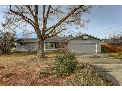 Redmond Single Family Home For Sale: 1209 NW Rimrock Dr