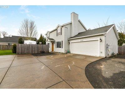 Hillsboro Single Family Home For Sale: 5752 SE Popes Pl
