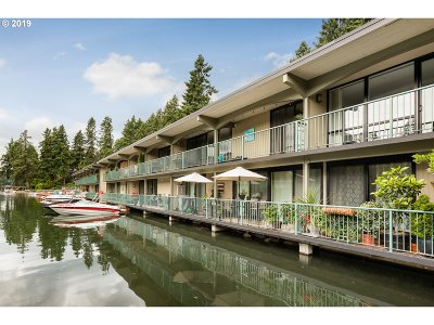 Lake Oswego Condo/Townhouse For Sale: 668 McVey Ave #77