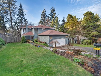 Single Family Home Sold: 2099 Wembley Pl