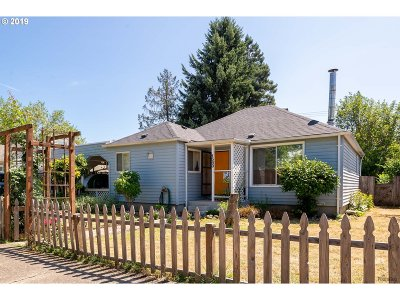 Springfield Single Family Home For Sale: 1543 E St