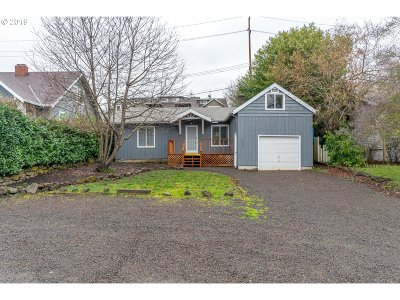 Lake Oswego Single Family Home For Sale: 31 Ladd St