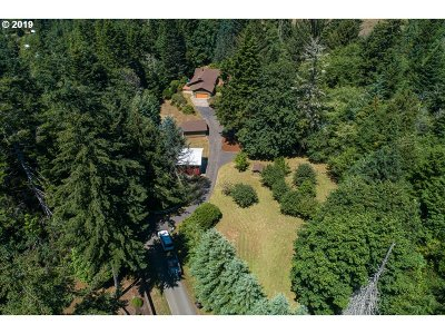 Coos Bay Single Family Home For Sale: 93687 Pickett Ln
