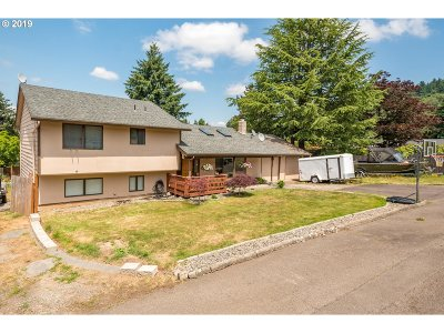 Multnomah County Single Family Home For Sale: 1613 SW Orchard Ave