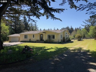 Bandon Single Family Home For Sale: 980 4th St SE