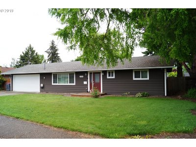 McMinnville Single Family Home For Sale: 524 NW Baker Creek Rd