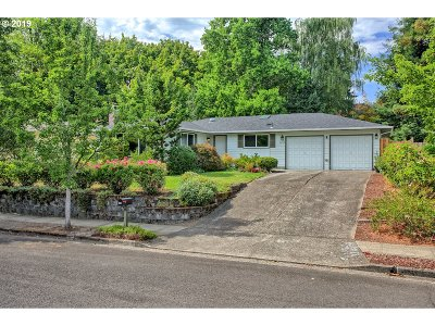 Beaverton Single Family Home For Sale: 5495 SW 142nd Ct