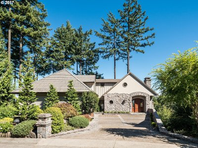 Portland Single Family Home For Sale: 3528 SW Gale Ave