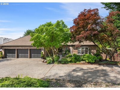 Lake Oswego Single Family Home For Sale: 2399 Palisades Crest Dr