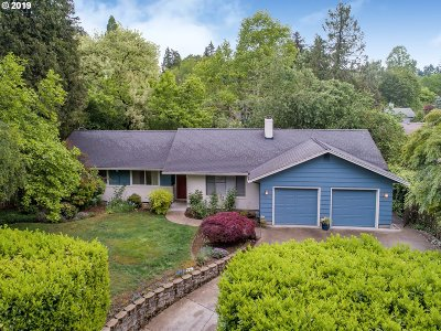 Portland Single Family Home For Sale: 3960 SW 91st Ave