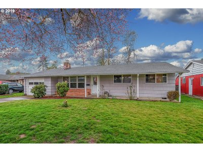Cowlitz County Single Family Home For Sale: 2791 Terry Ave