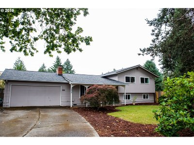 Washington County Single Family Home For Sale: 19400 SW Southview Ct