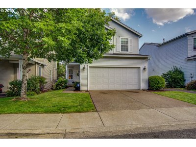 Milwaukie, Gladstone Single Family Home For Sale: 5862 SE Tranquil Ct