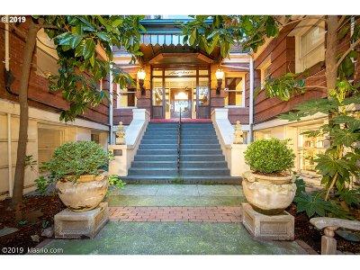 Portland Condo/Townhouse For Sale: 2083 NW Johnson St SE #4