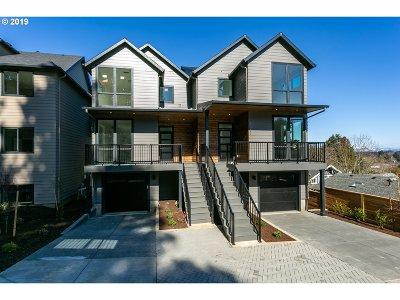 Portland Condo/Townhouse For Sale: 7079 SE Thorburn St