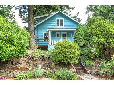Portland Single Family Home For Sale: 8702 SW 41st Ave