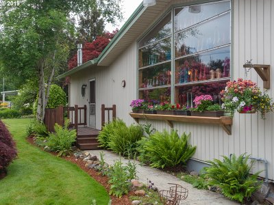 Gresham Single Family Home For Sale: 31818 SE Proctor St