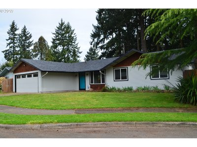 Portland Single Family Home For Sale: 1912 SE 149th Ave