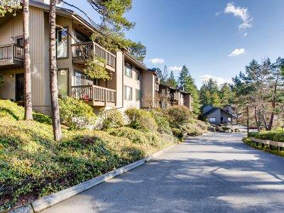 Portland Condo/Townhouse For Sale: 7516 SW Barnes Rd #C