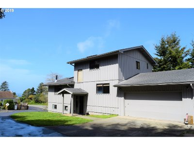 Gold Beach Single Family Home For Sale: 94217 Terrace Garden Way