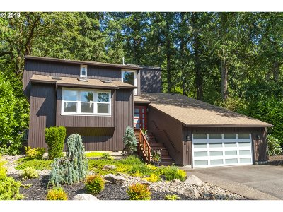 Lake Oswego Single Family Home For Sale: 18381 Heather Ann Ct