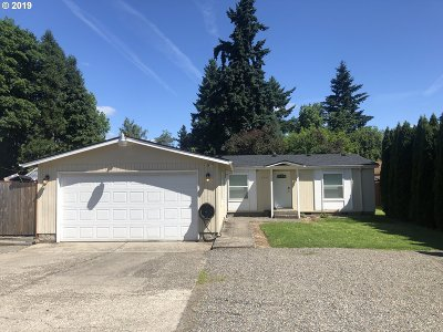 Clackamas OR Single Family Home For Sale: $325,900