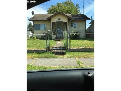 Cowlitz County Single Family Home For Sale: 296 17th Ave