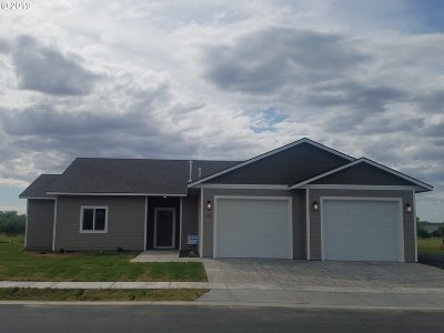 Umatilla County Single Family Home For Sale: 584 SW Cottonwood Dr