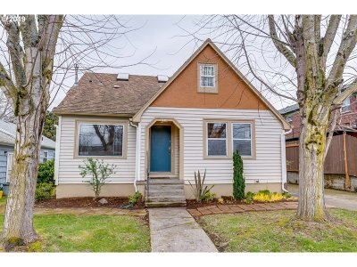 Portland Single Family Home For Sale: 2710 SE 52nd Ave