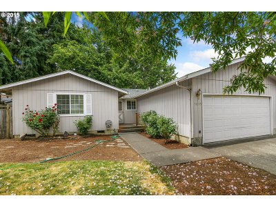 Springfield Single Family Home For Sale: 5635 D St