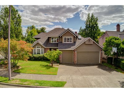 Lake Oswego Single Family Home For Sale: 5536 Kilchurn Ave