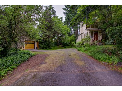 Lake Oswego Single Family Home For Sale: 13041 Knaus Rd