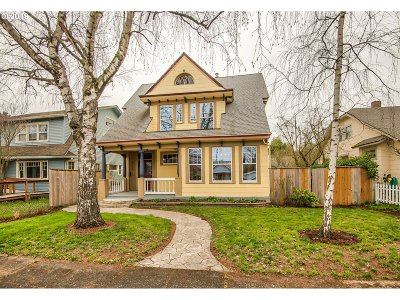 Clackamas County, Multnomah County, Washington County Single Family Home For Sale: 5758 N Moore Ave