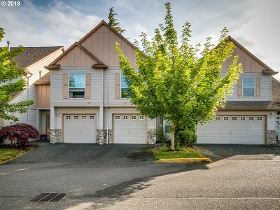 Tualatin Condo/Townhouse For Sale: 22030 SW Grahams Ferry Rd #B