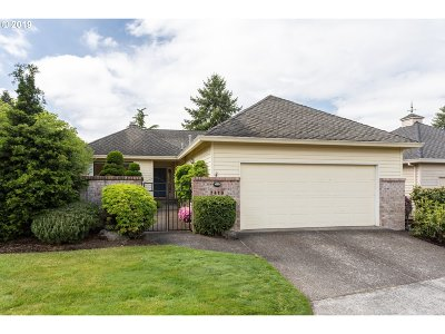 Wilsonville Single Family Home For Sale: 7410 SW Lakeside Loop