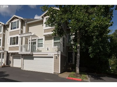 Beaverton Condo/Townhouse For Sale: 14685 SW Beard Rd #104