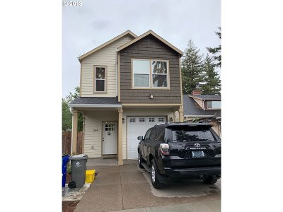 Condo/Townhouse For Sale: 12641 SE Boise St