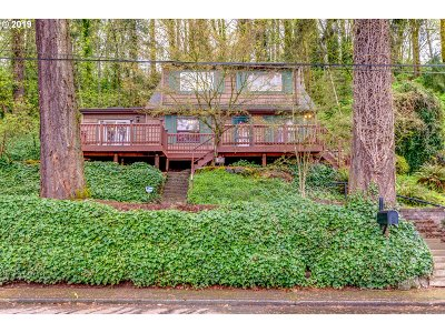 Salem Single Family Home For Sale: 605 NW Piedmont Ave