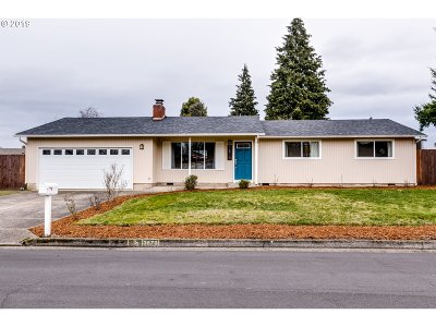 Springfield Single Family Home For Sale: 3870 Richland St